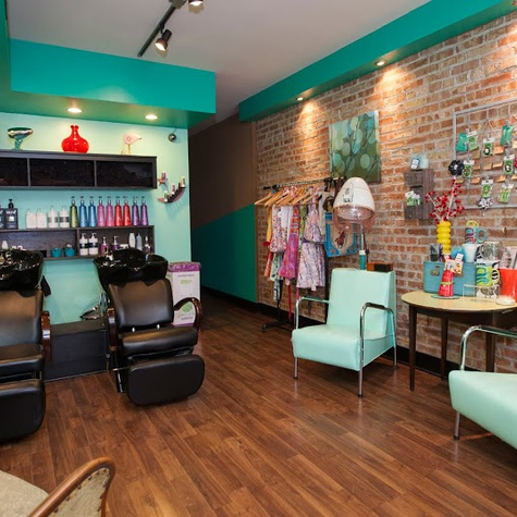 Chicago WomensHairNailSalon ChromaK806