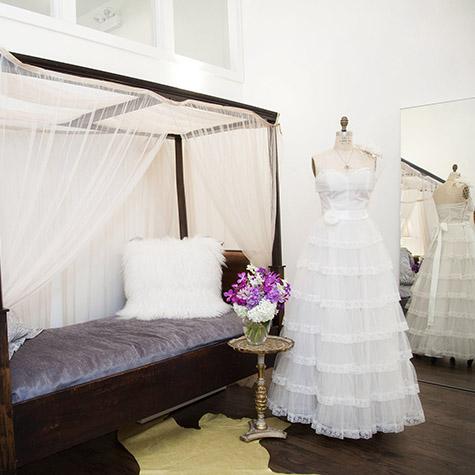 Chicago WeddingVintageBoutique Meringue12