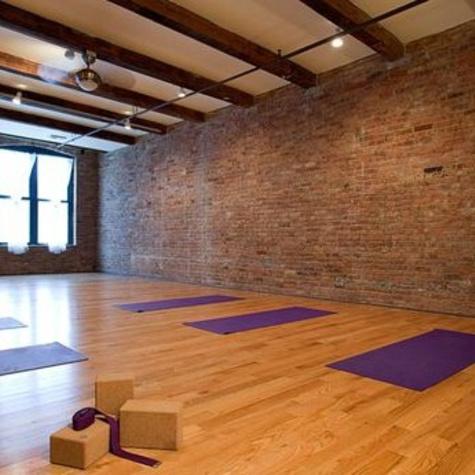 Chicago FitnessHealthBeautyYogaStudioGiftCards YogaLoft01
