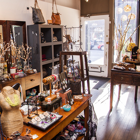 Chicago WomensAccessoryBoutique Embellish05