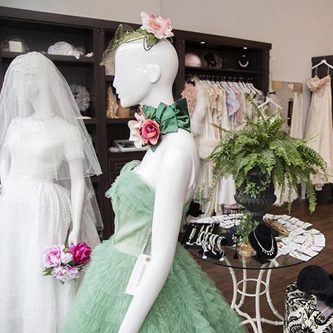 Chicago WeddingVintageBoutique Meringue01
