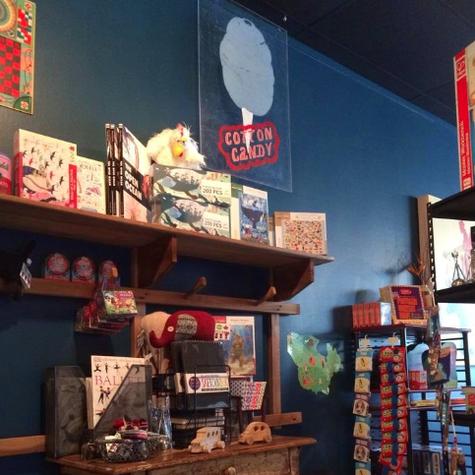 Houston KidsToyBooksGamesStore BigBlueWhale02