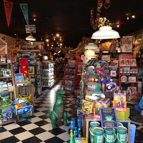 Houston KidsToyBooksGamesStore BigBlueWhale01
